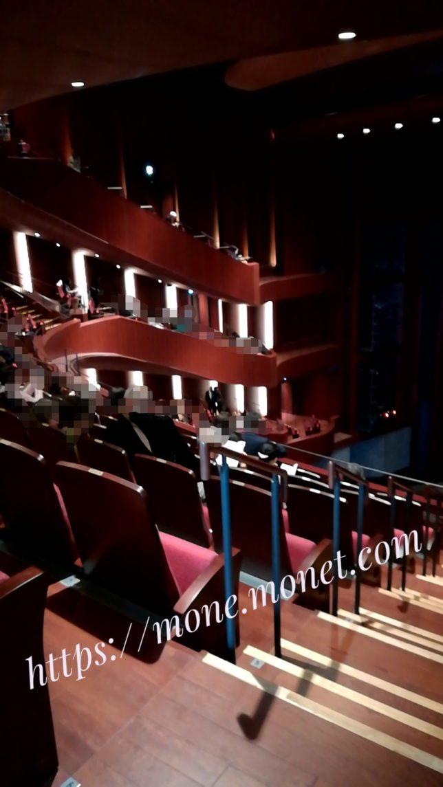 ヒタルの側面の座席画像