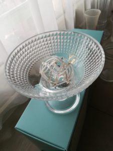 皿と花活けの組み合わせの一例
